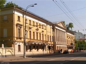 Пречистенка 32. Дом Пегова-гимназия Л.  Поливанова